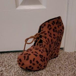 Women cheetah print booties size 8